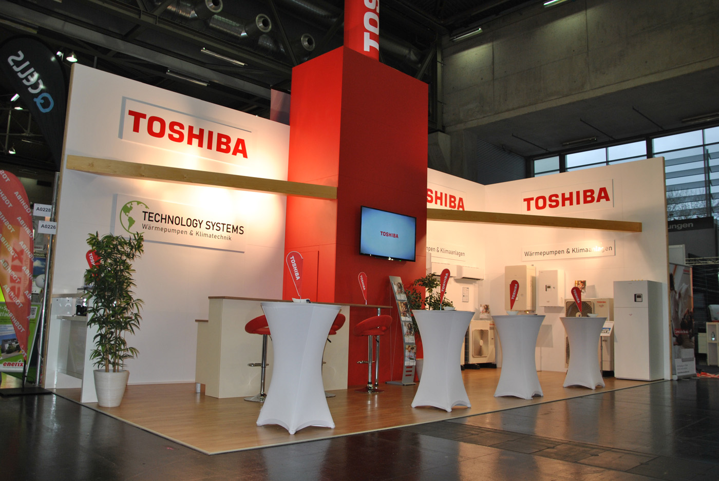 technologysystems-messestand-toshiba